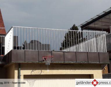 Staketengeländer feuerverzinkt auf Dachterasse