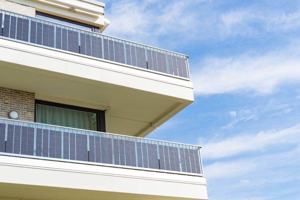 Solargeländer modernes Haus